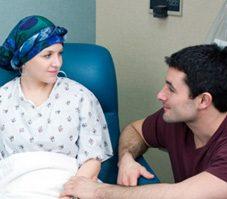 Comment aider une amie souffrant d'une maladie grave?