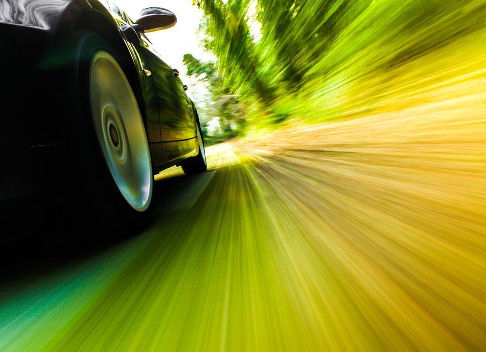 Meilleures applications pour amateurs de voitures sport : Dynolicious et aCar