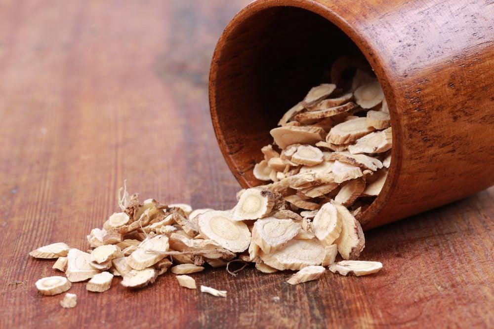 Astragale: l'un des meilleurs remèdes naturels pour stimuler le système immunitaire