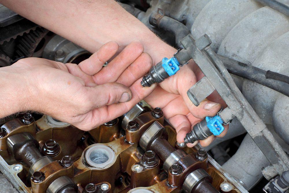 Arnaque de mécanicien #2: Nettoyage des injecteurs