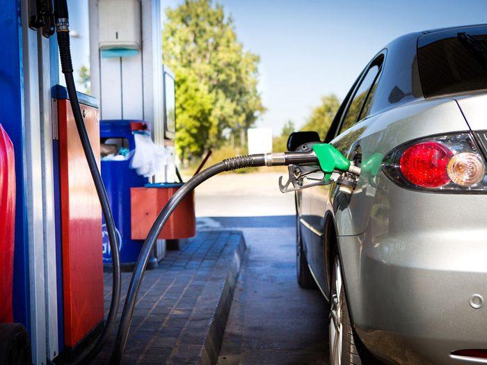 Inconvénient #5 : Une voiture usagée risque de consommer davantage