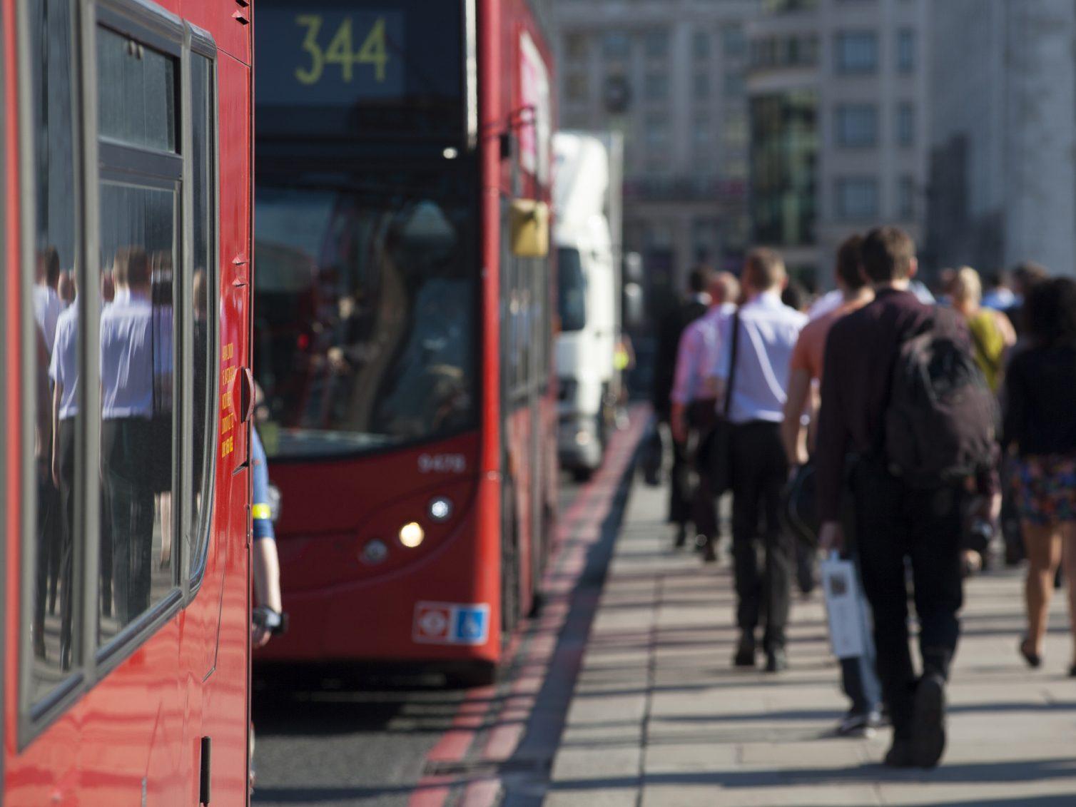 4. Optez pour les transports publics