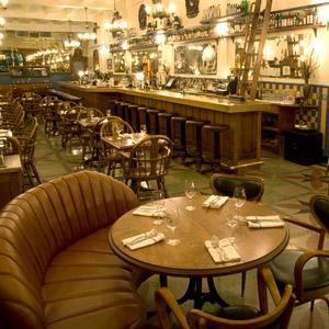 La Taverne Square Dominion est un bar incontournable à Montréal