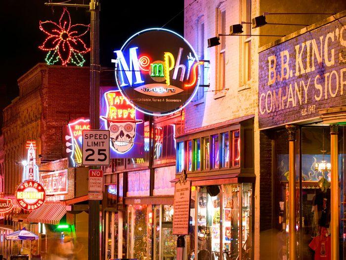 Beale Street est l'une des rues les plus populaires au monde.