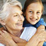 10 trucs santé pour de belles dents en vieillissant