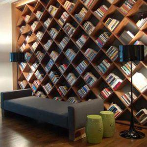 6. Bibliothèque en diagonale