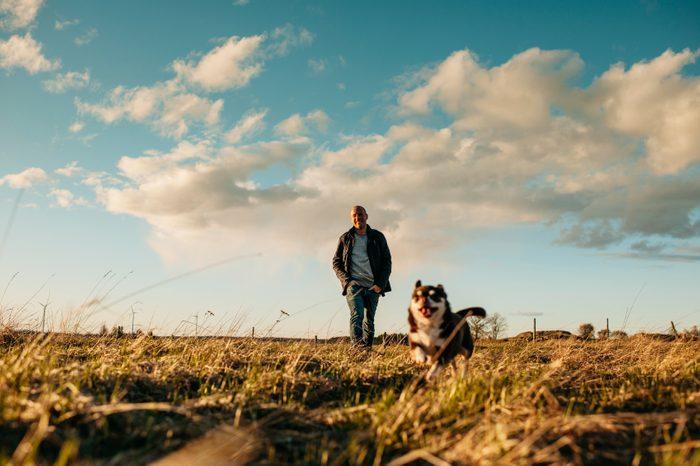 9. Vous vivez seul: choisissez votre chien avec soin