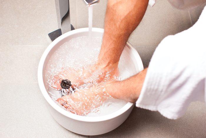 Les effets de l'ail peuvent traiter le pied d'athlète