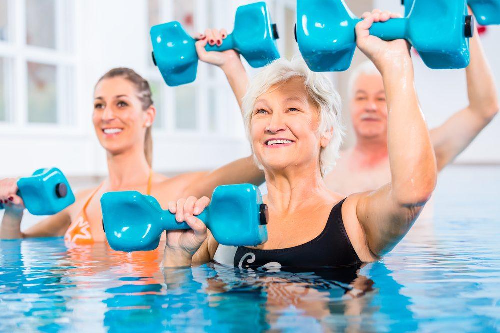 Les bienfaits santé de la nage et de l'aquaforme