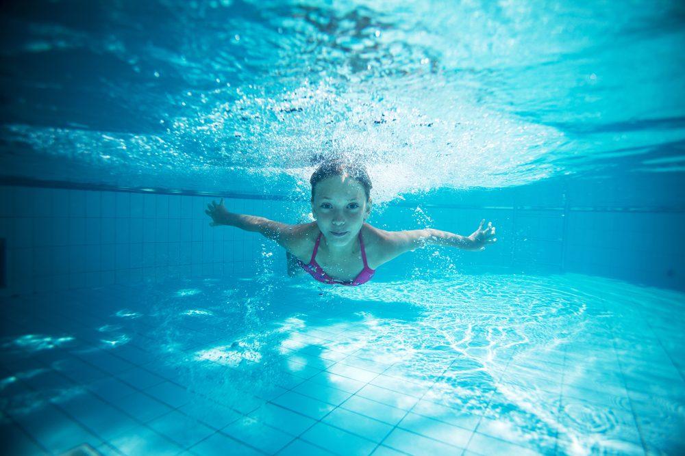 Natation et aquaforme : les bienfaits santé de l'exercice dans l'eau