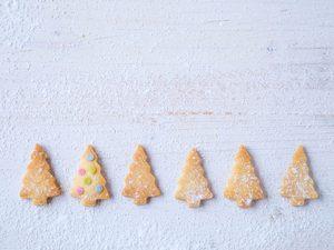 Recette facile de biscuits sapins au romarin et au citron