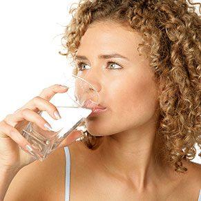 4. NON. Appliquer le dicton: jeûne en cas de rhume; mange en cas de fièvre.