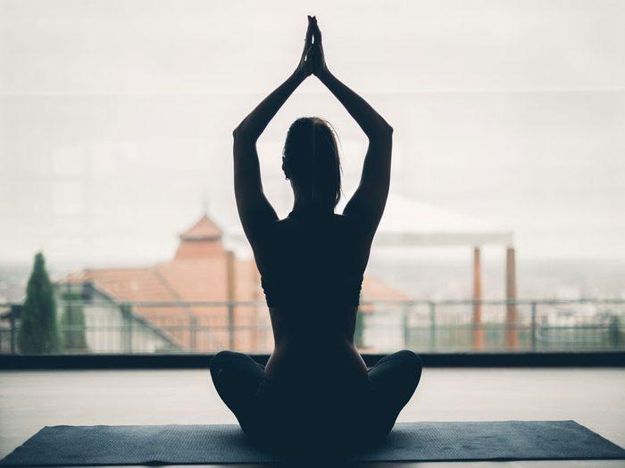 Adoptez les bonnes postures au quotidien