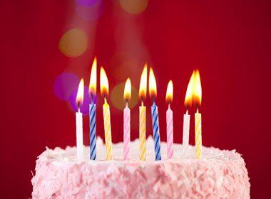 Souffler les bougies d'anniversaire