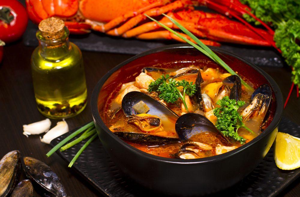 La bouillabaisse des Îles de la Madeleine : un plat traditionnel canadien à essayer