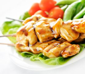 9. Poulet et légumes Tériyaki en brochettes