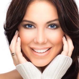 4. Couvrez vos cheveux blancs