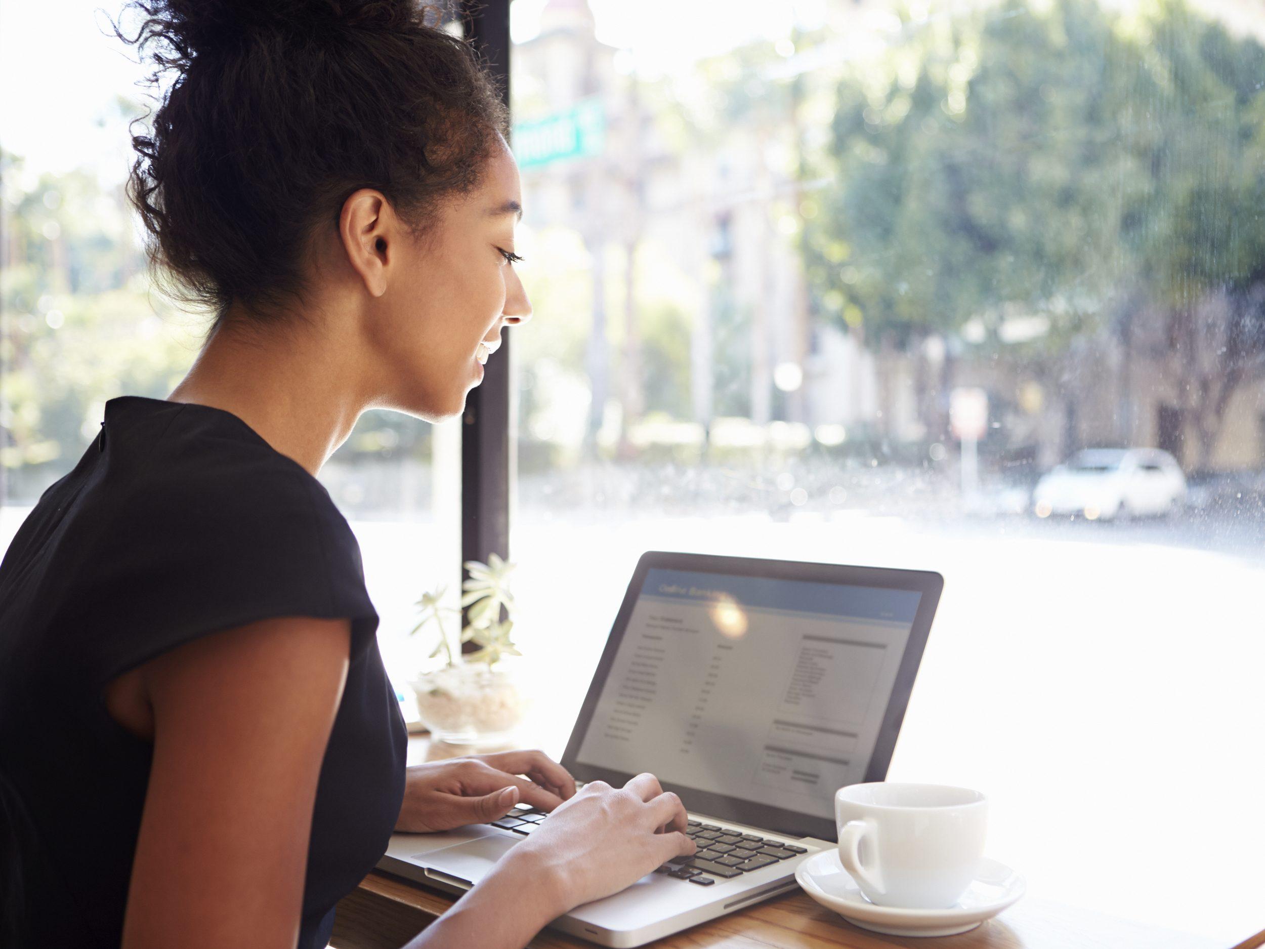 13 Vous préférez musarder au café du coin pendant vos congés?