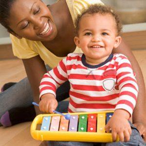 Le cerveau des bébés se développe énormément lorsque les enfants jouent de la musique