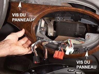 Retirer l'autoradio pour changer les lumières du tableau de bord
