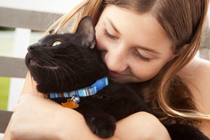 Les amoureux des chats sont plus affectueux avec leurs amis lors d'une fête