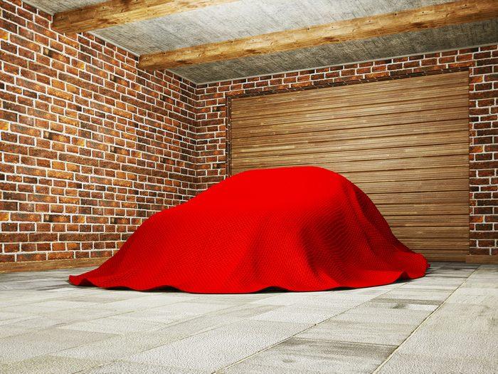 Considérer une housse de voiture pour l'intérieur