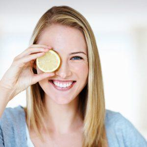 5. Le thé à la camomille et le jus de citron éclaircissent les cheveux