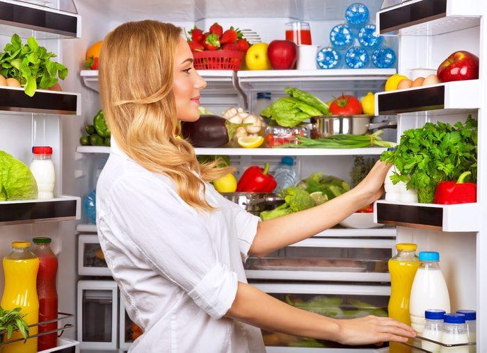 3. Désodorisez votre réfrigérateur