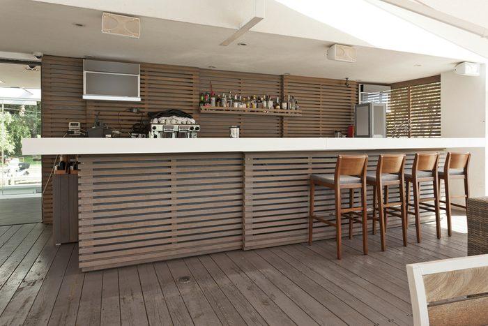 10. Construire un bar