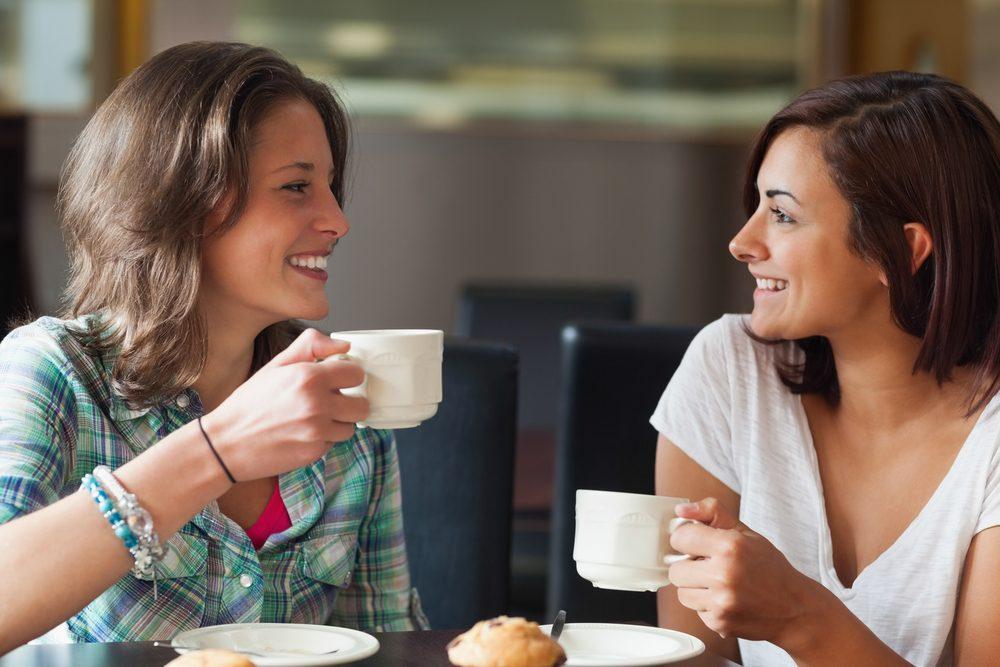7. Adoucissez votre café avec des coquilles d'oeufs émiettées