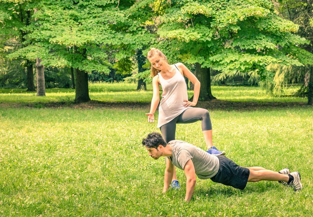 Il ou elle suit un bon programme d'exercices et cela affecte votre santé
