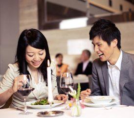 5. Évitez les discussions sérieuses lorsque vous avez l'estomac vide.