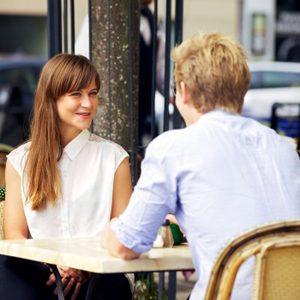 7. Vous entretenez une relation avec l'ex-partenaire d'un (e) ami (e)? Prudence.