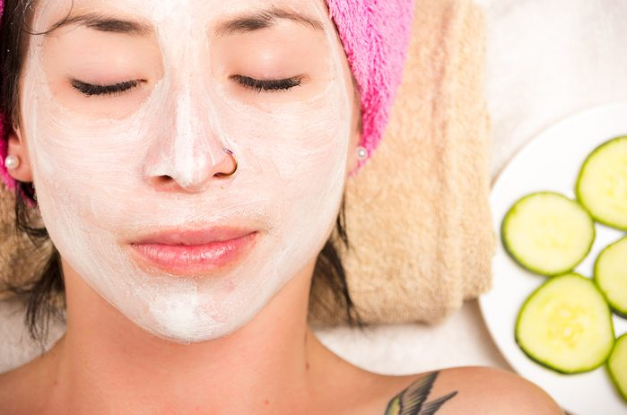 Le sel d'epsom peut être utilisé en masque pour la peau.