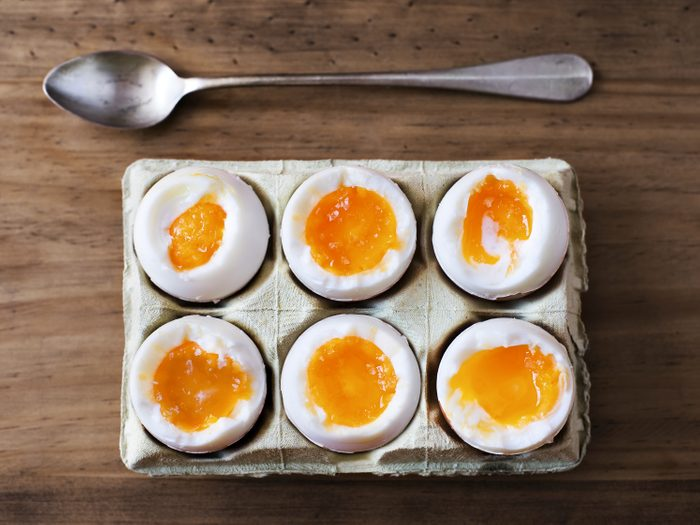 Les œufs crus sont utilisés contre la gueule de bois depuis l'antiquité romaine.