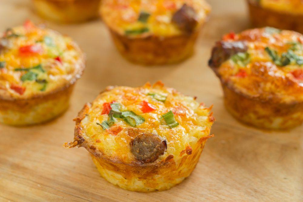 Un déjeuner simple pour la famille de muffins aux légumes