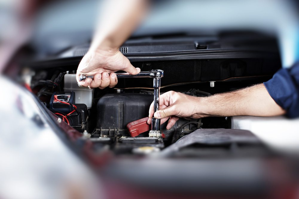 Demandez à votre mécanicien, si vous devez utiliser du supercarburant