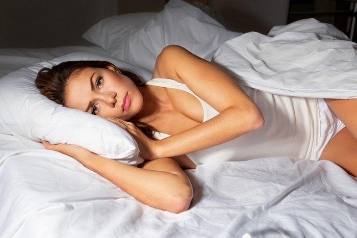 Parmi les symptômes de la dépression, de la difficulté à dormir et de l'insomnie.