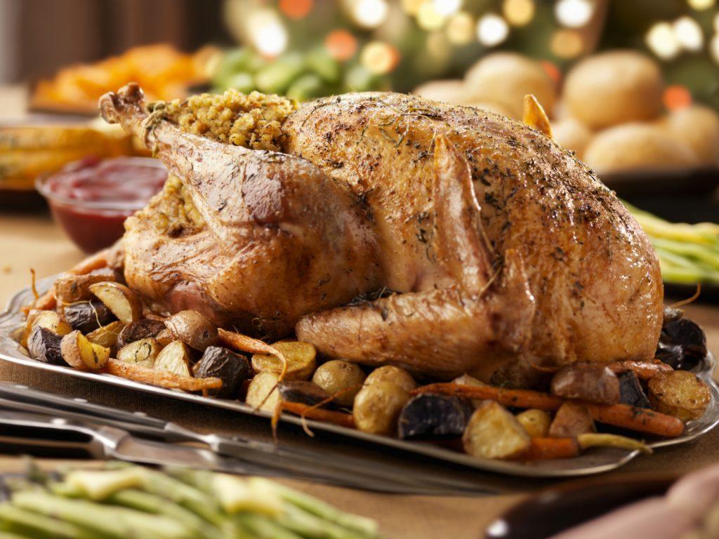 Une recette de dinde de Noël aux pêches et aux noix