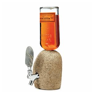 11. Distributeur d'alcool en pierre