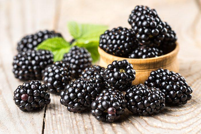 8. La meilleure recette d'eau parfumée aux arômes naturels de mûre et sauge