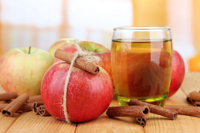 2. La meilleure recette d'eau parfumée aux arômes naturels de pomme et cannelle