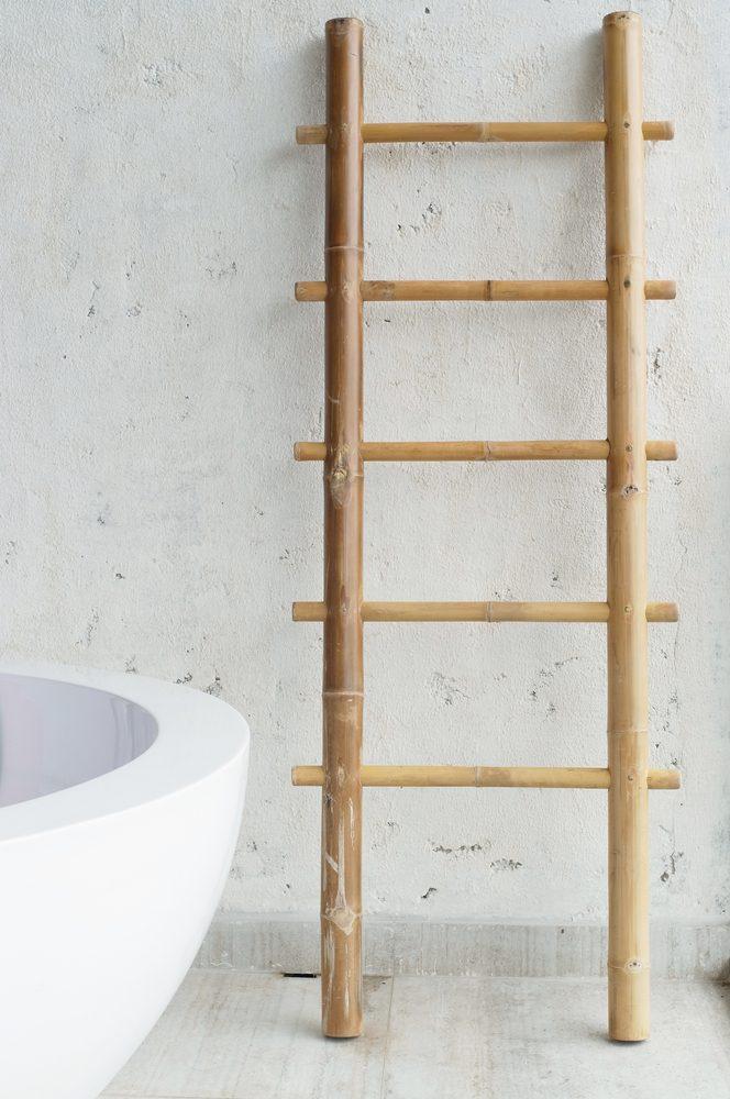 Une échelle en bois pour vos linges mouillés