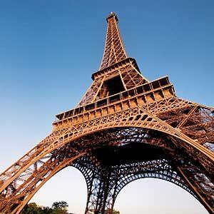 3. La Tour Eiffel: l'un des meilleurs attraits touristiques de Paris