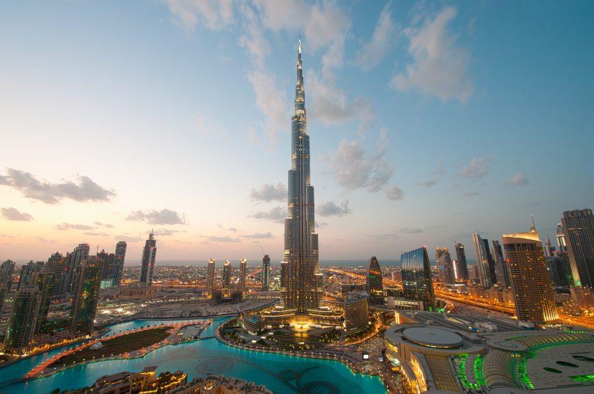 7. Embrassez-vous à vos risques et périls aux Émirats Arabes Unis