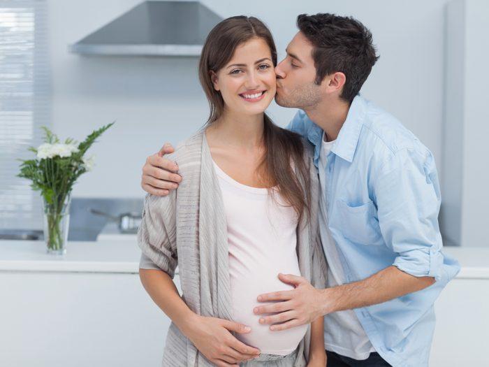 8. AFFIRMATION: Des jumeaux/jumelles? Dommage que ce ne soit pas un garçon et une fille. Tu en aurais terminé avec la chose.