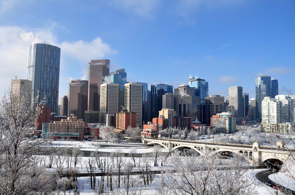 De la neige en été à Calgary