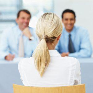 1. Compliments, contact oculaire et conversation animée