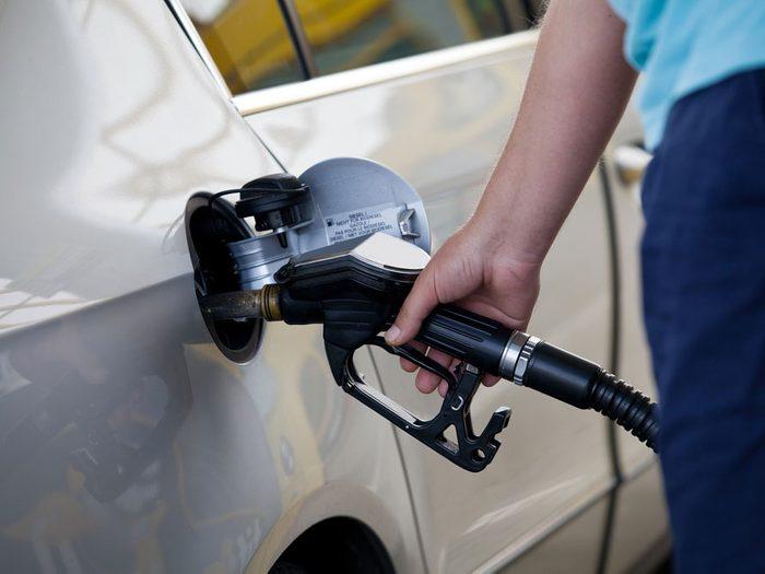 Étape 2: Faire le plein d'essence et stabiliser