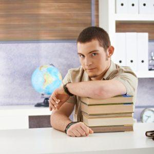 1.Consultez la liste de bourses d'études